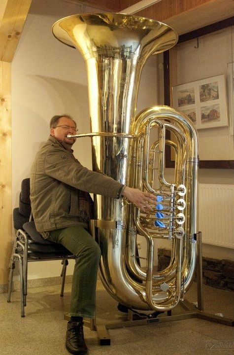 Prof. Jörg Wachsmuth and the Giant Tuba